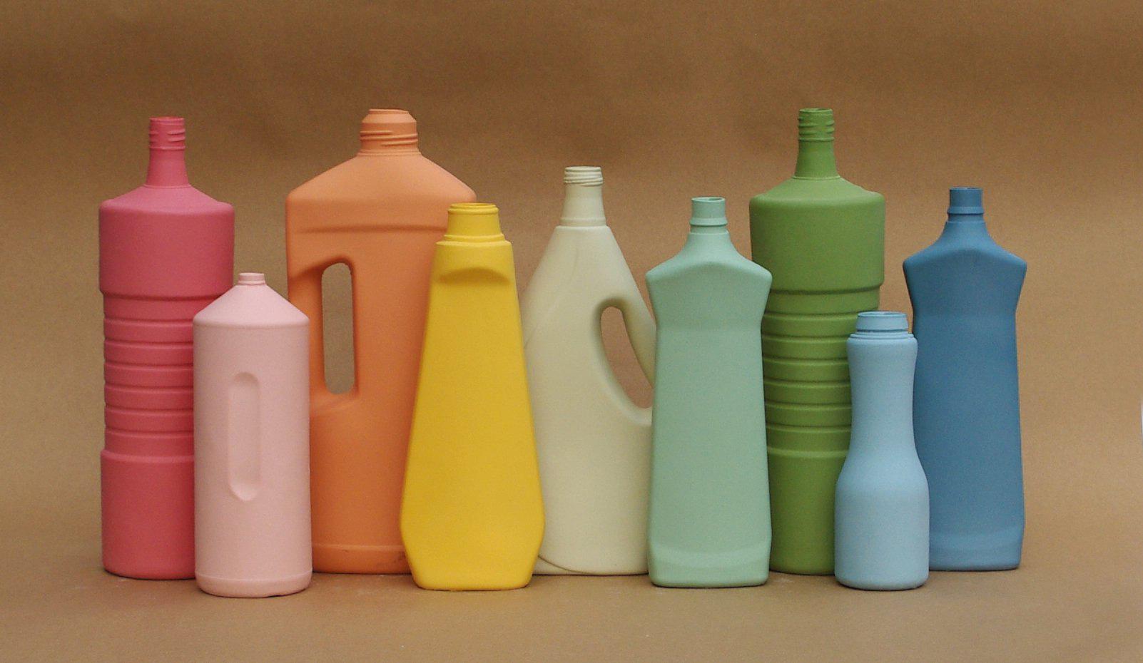 porcelain cleaning bottle vases collabcubed. Black Bedroom Furniture Sets. Home Design Ideas
