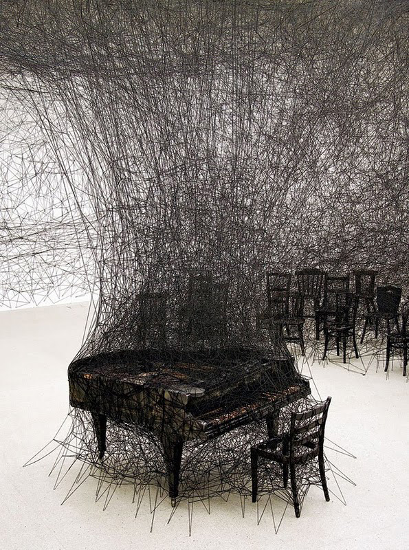 chiharu shiota, installation art, yarn, web, collabcubed