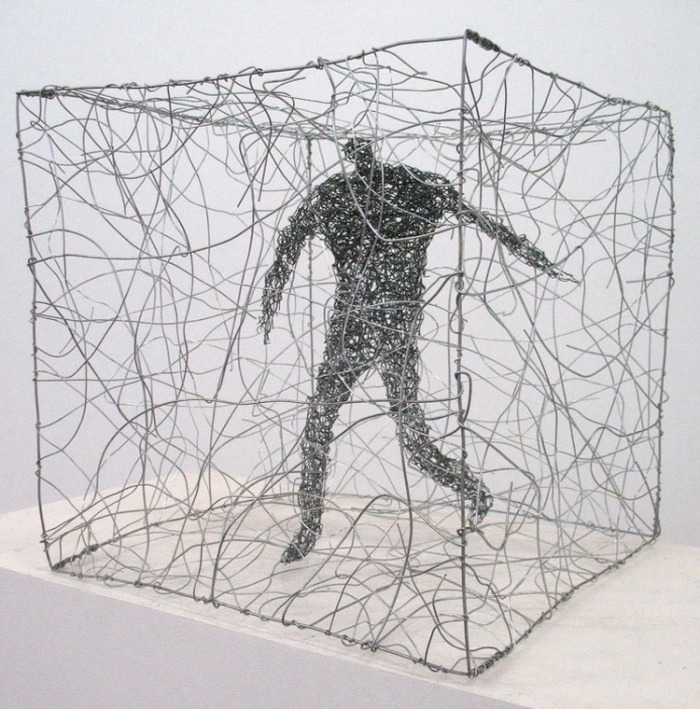 Wire figures, Australian artist, Licha, contemporary sculpture