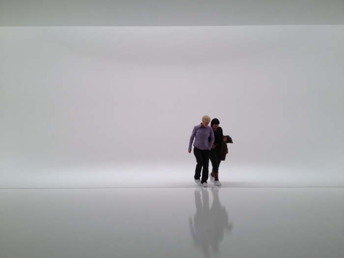 Light art installation, infinity space, cool installation, cool art, Doug Wheeler, NYC, 2012, collabcubed