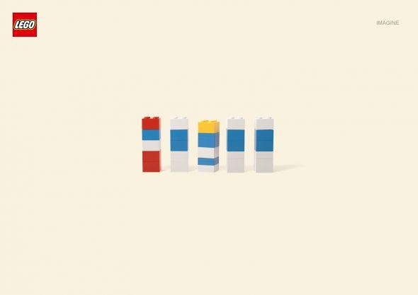 Lego_Smurfs_collabcubed