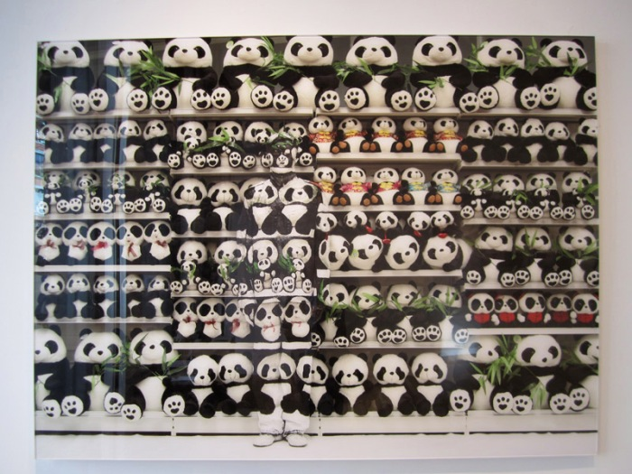 Liu Bolin, Lost in Art, Eli Klein Gallery, contemporary photography, pandas, collabcubed