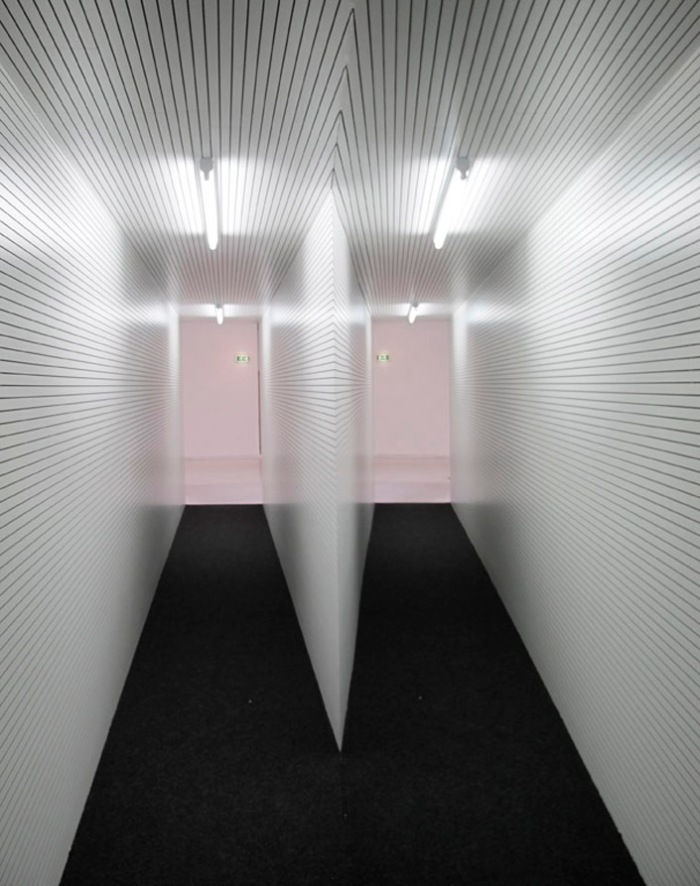Spatial installations, cool art installations, mirrored hallway, Aslak Vibæk and Peter Døssing, Broken View, collabcubed