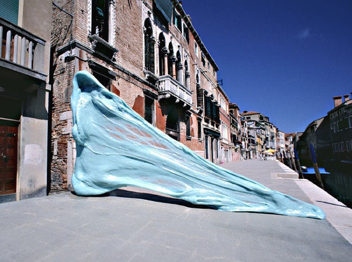 Photography, Trompe l'oeil, oversized gum sculptures, Venice, Simone Decker, contemporary art