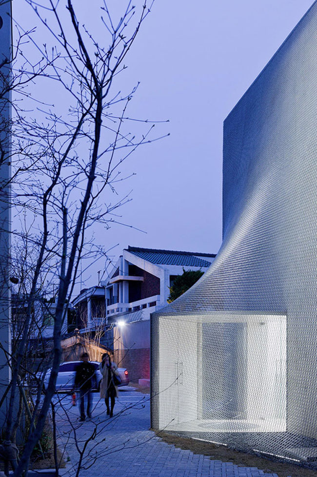 Solid-Objectives – Idenburg Liu, SO – IL Architects, Cool chainlink facade, Kukje Art Gallery, Seoul, Korea
