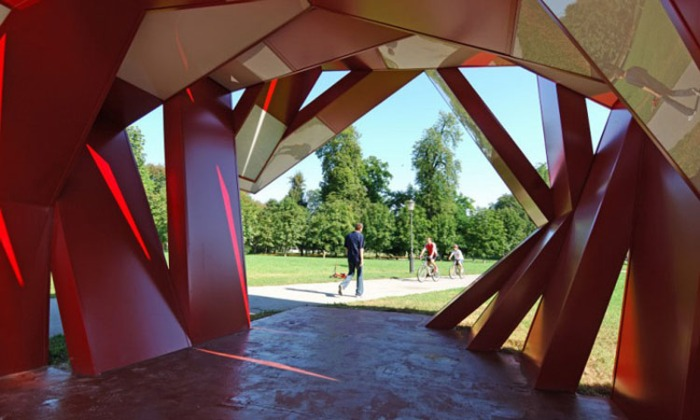 Sculpture, information pavilion, folded metal bars at different angles, archway, dynamic