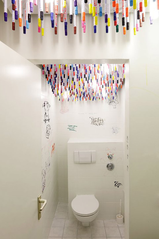 interior design, fun bathrooms, markers in bathroom for graffiti writing, Tulp design, Munich, Webguerillas