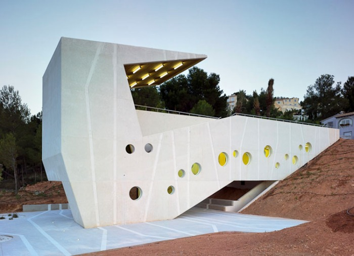 Community Center El Tossal in Nucia, Alicante, Spain, by Crystalzoo Architects, Jose Luis Campos