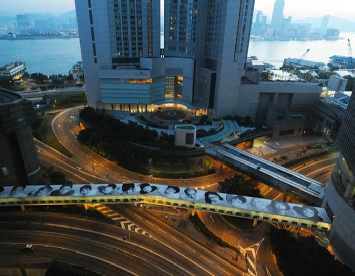 JR Hong Kong Connaught Road Footbridge, street art