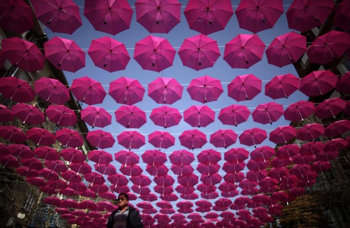 Pink Umbrellas for Cancer Awareness in Bulgaria; Coppafeel's Boob Flash Mob in London, Cancer Awareness Month Events