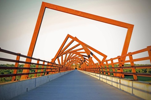 RDG Dahlquist Art Studio in Des Moines, Iowa, David Dahlquist, Cool Bridge, Interesting architecture and engineering