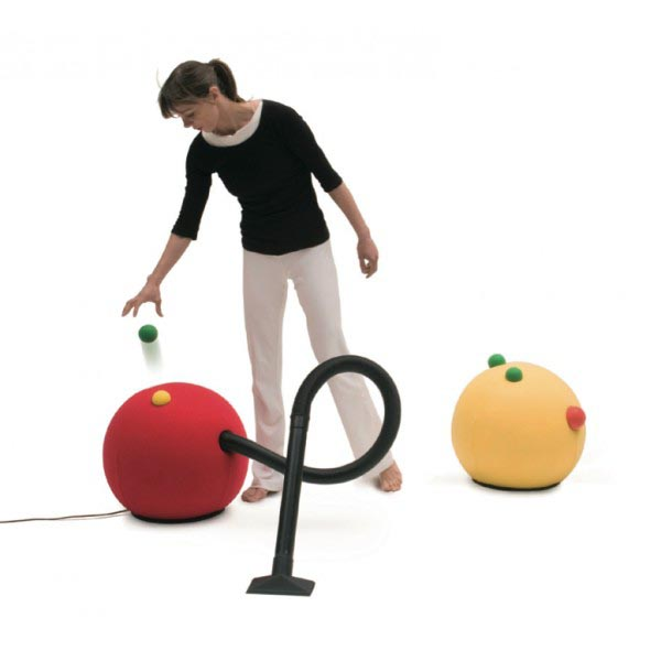 fun vacuum design by Lorenzo Damiani. Airpouf produced by Campeggi. Cool and cute vacuum