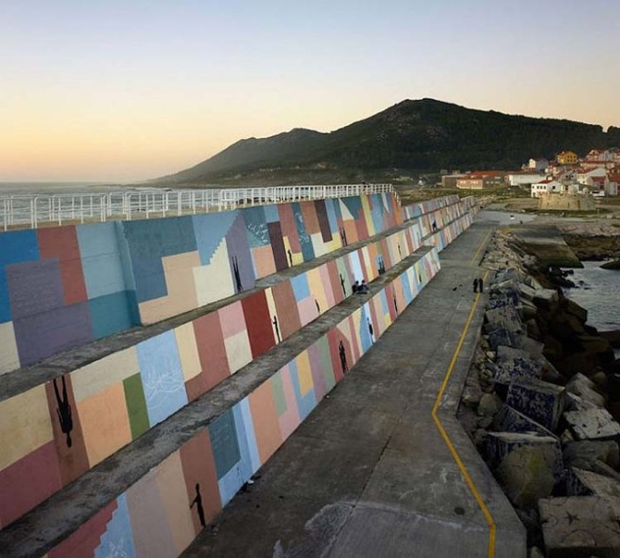 Breakwater in Spain designed and painted by Artectura and Eduardo Zamarro