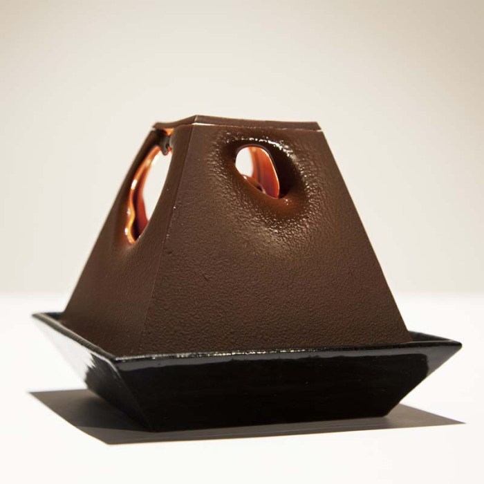 cool lamp, chocolate lamp, alexander lervik, lumiere au chocolat, industrial design, objects created from food, unique design