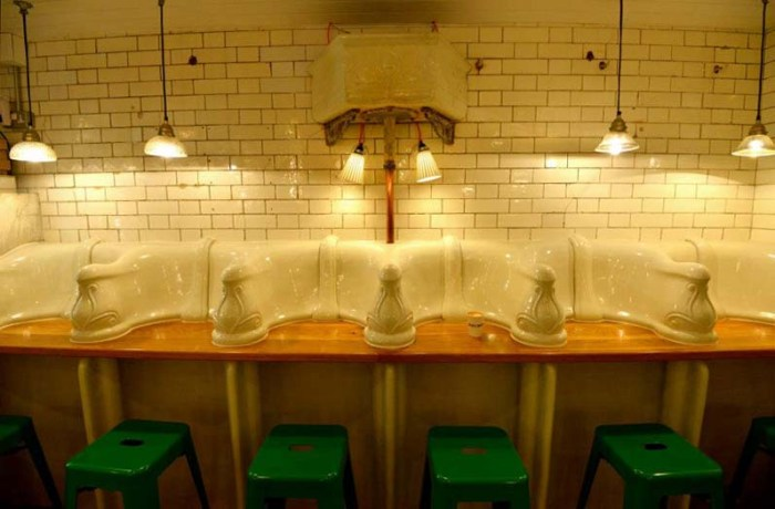London cafe, Attendant, turns old urinal into sandwich shop, repurposing, upcycling, Food, Cool