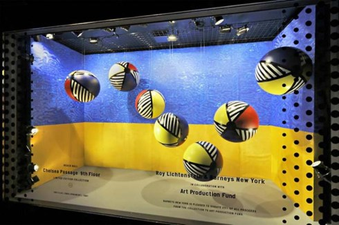 Roy Lichtenstein, Pop art in the Windows at Barneys NY. Collaboration of Lichtenstein and product design available at Barneys. Fun window displays
