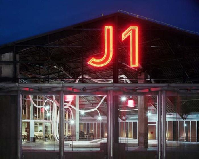 Sebastien Wierinck WorkShop, J1 Hangar in Marseille, Tube installation, Tubular, Cool interior design/furniture installation