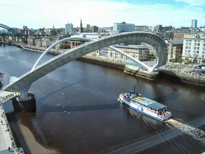 WilksonEyre Architects, Gateshead Millenium Bridge, Winking Eye Bridge, Blinking Eye Bridge, cool movable bridge