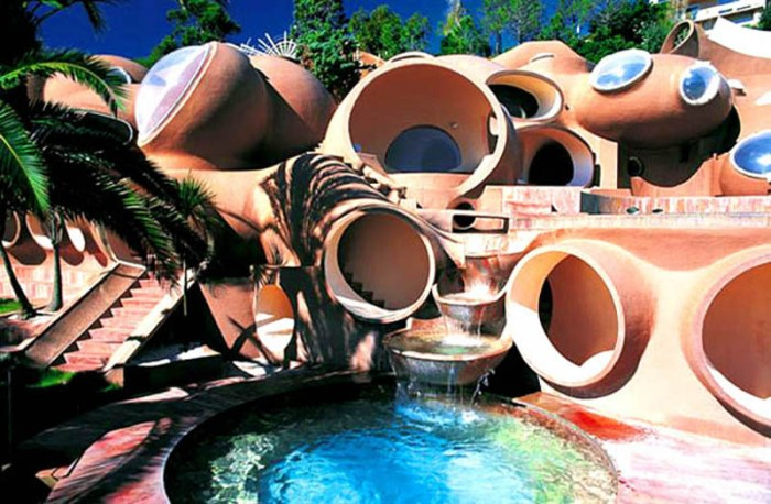 Bubble Palace, Palais Bulles, France, designed by Antti Lovag, South of France, cool architecture, Pierre Cardin House