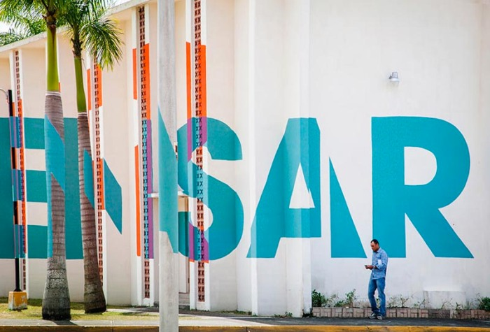 Boa Mistura, University of Isthmus, Panama City, Typographic Mural with students, Think/Feel, Pensar/Sentir, anamorphosis, typography, street art