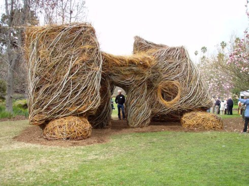 Patrick Dougherty, Stickworld, largescale sculptures/huts made using twigs and branches