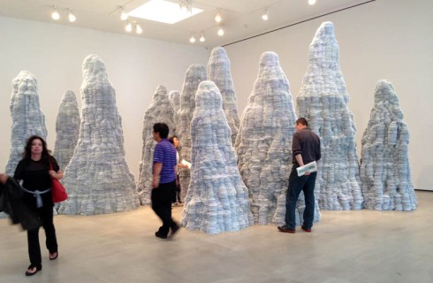 Tara Donovan, Index Card sculptures, post-its, Pace Gallery 2014, cool art